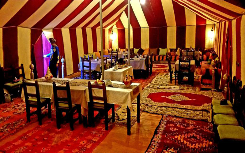 luxurious-restaurant-and-tent-in-bivouac-sahara-relax-zagora