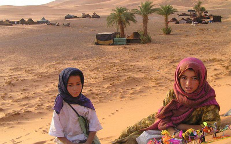 morocco-touarg-and-real-nomad-family-morocco-sahara-desert-berber-nomad